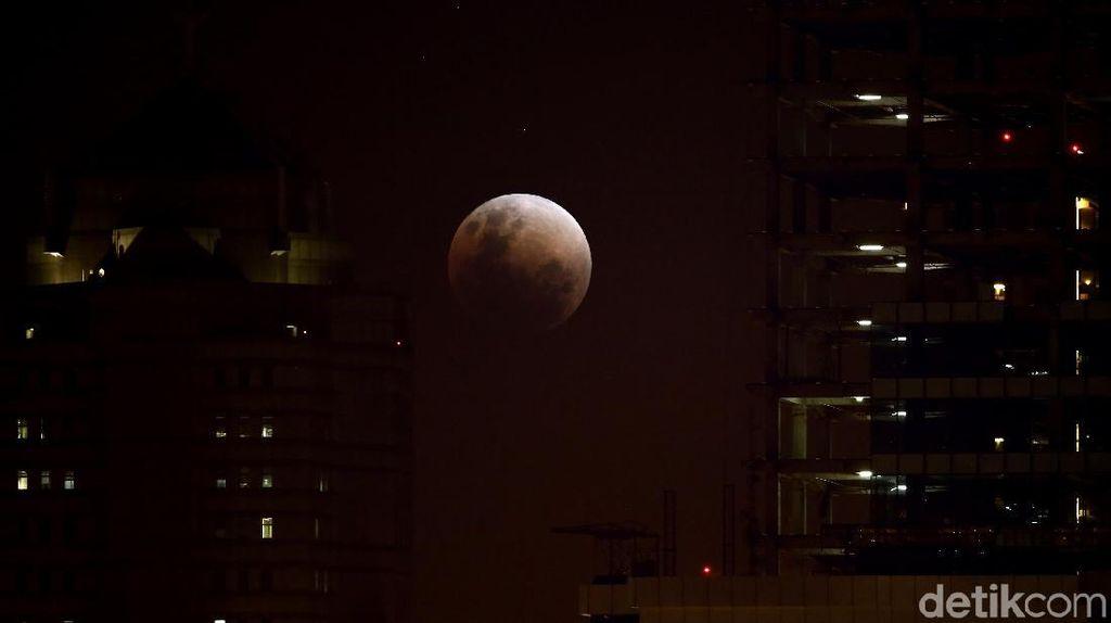 Catat Kembali Waktu Gerhana Bulan Total Malam Ini