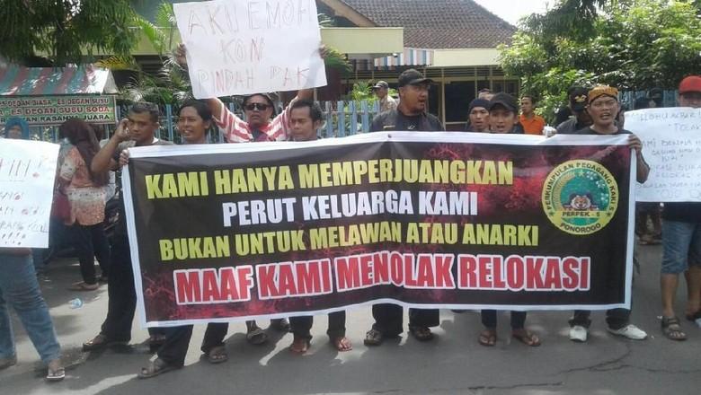 PKL di Ponorogo Ancam Demo Besar Jika Direlokasi