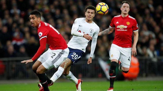 Melawan Tottenham bisa menjadi penentu langkah Man United meraih trofi di musim ini.