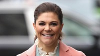 Putri Mahkota Swedia Siapkan Makanan untuk Gelandangan di Tengah Corona