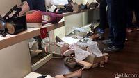 Toko Mau Tutup, 230 Sepatu Clarks Ludes Dalam Sehari