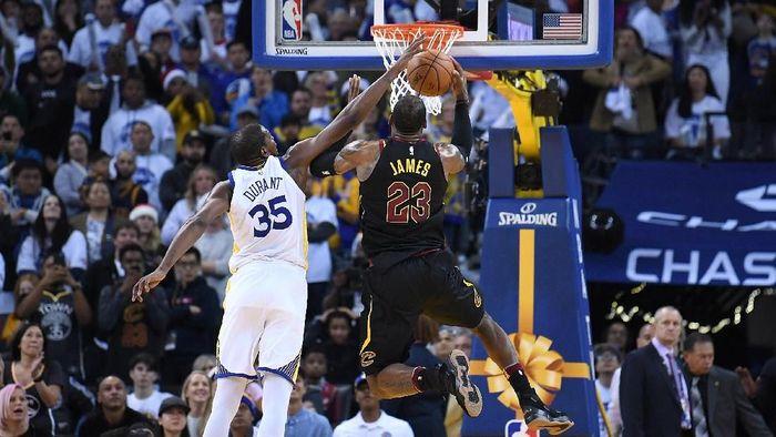 Mungkinkan LeBron James bergabung Golden State Warriors? (Foto: Thearon W. Henderson/Getty Images)