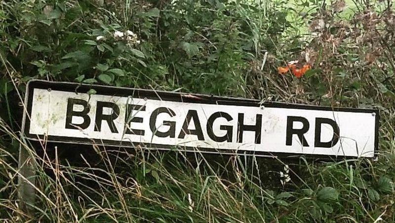 Bregagh Road terletak di Ballymoney, Irlandia Utara. Ada bagian yang mirip terowongan kecil bernama The Dark Hadges, yang terdiri dari ratusan pohon beech (seleserowetravelbroker/Instagram)