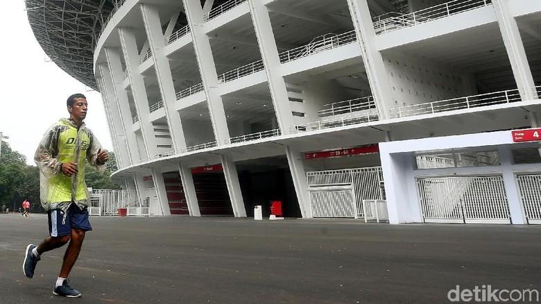 Setelah renovasi Stadion Utama Gelora Bung Karno rampung, kini masyarakat bisa kembali joging dan berolahraga lainnya di sekeliling stadion utama.
