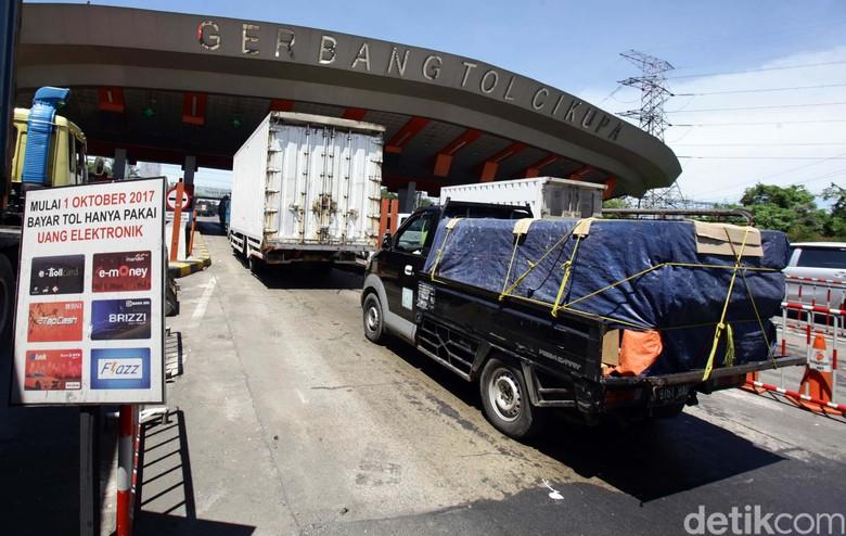 Aspal Plastik yang Dicoba di Tol Tangerang-Merak Belum Maksimal Foto: dok. detikcom