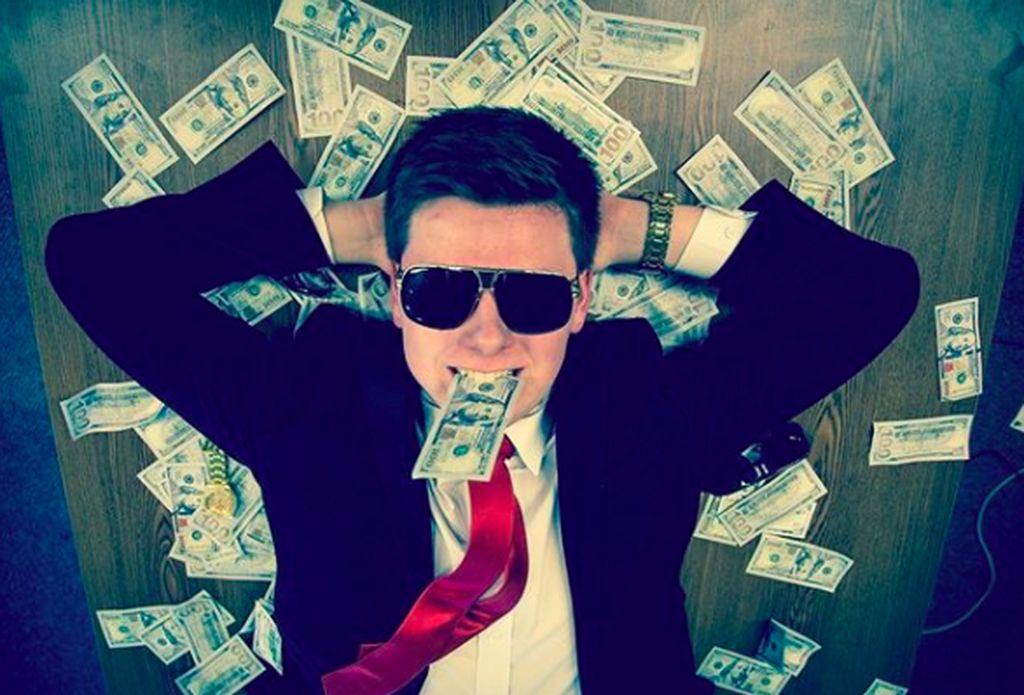 Berkat investasi ke mata uang digital Bitcoin sejak usia sangat muda, remaja bernama Erik Finman ini sekarang jadi kaya raya. Foto: Instagram