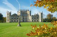 Taman dengan kastil cantik di Bournemouth