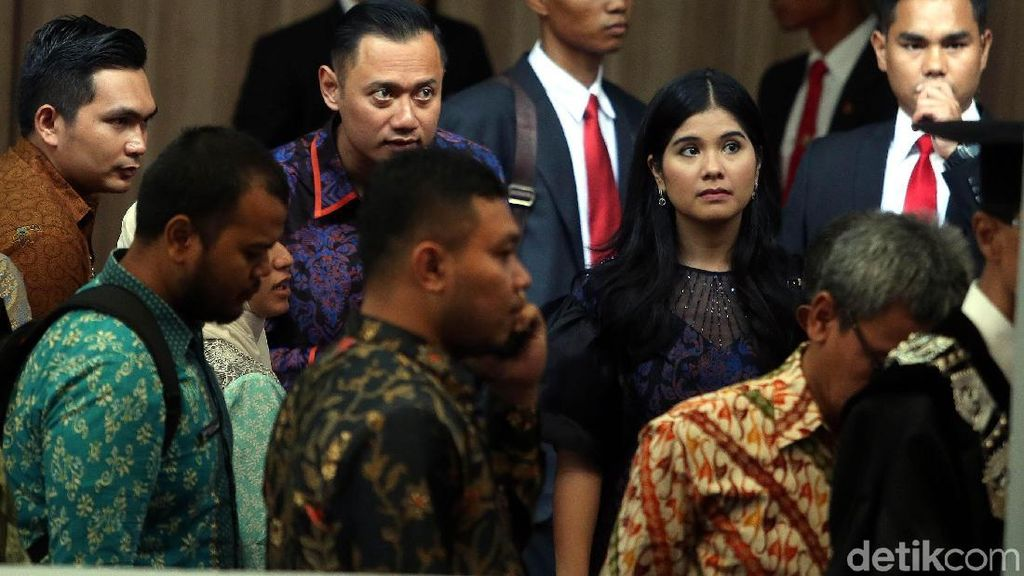 Foto: AHY dan Annisa Pohan Tampil Kompak di Dies Natalis UI