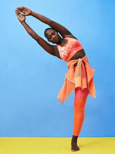 Wanita Inspiratif yang Punya Satu Kaki Jadi Model Baju Olahraga Asos b165af1163