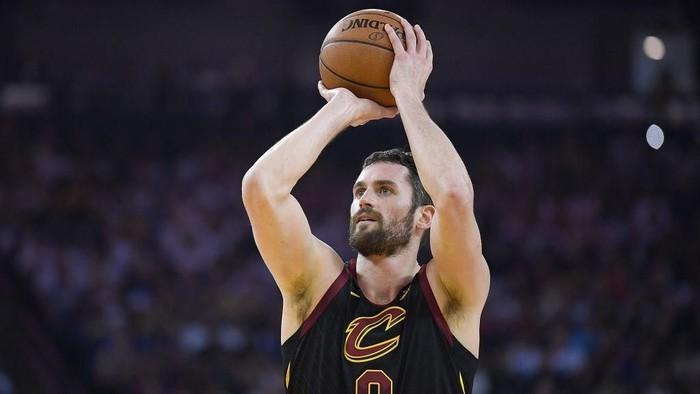 Serangan panik bisa menyerang kapan saja, termasuk saat pertandingan basket, seperti yang dialami atlet NBA Kevin Love. Foto: Thearon W. Henderson/Getty Images