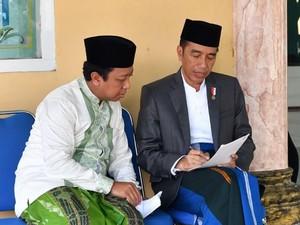 Ketum PPP Pamer Kemesraan Sehari Bersama Jokowi