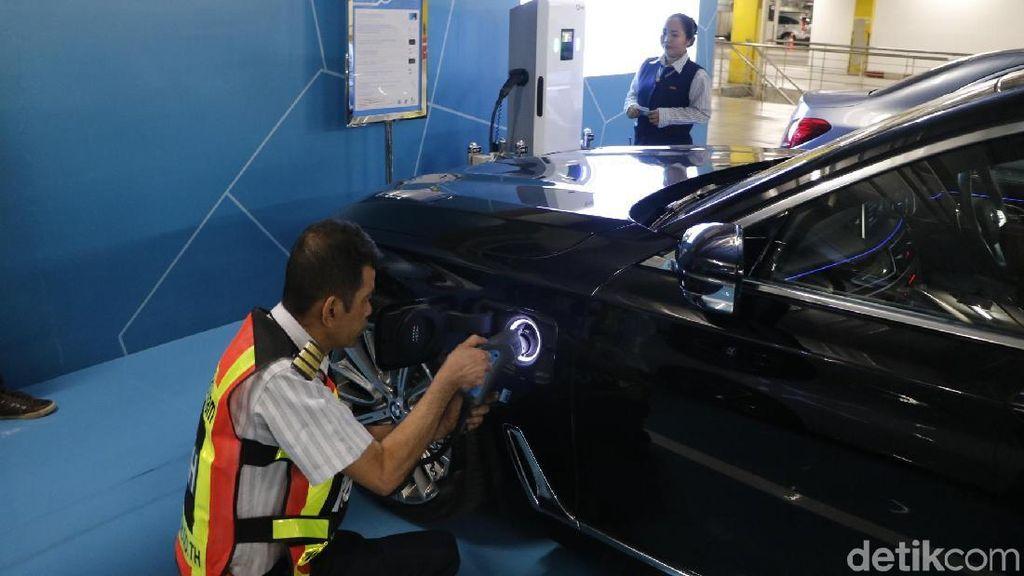 Kendala Mobil Listrik di Mata Kemenristekdikti