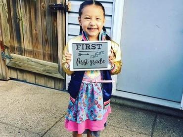 Happy-nya si kecil yang berumur 7 tahun saat duduk di kelas 1 SD. (Foto: Facebook Abby Toriz via Today)