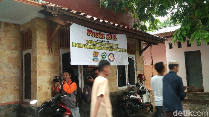 Pondok Pesantren di Cirebon mengalami wabah hipertensi. (Foto ilustrasi: Sudirman Wamad)