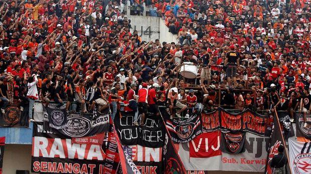 The Jakmania juga diminta bisa menjadi juara dengan menjaga nama baik Jakarta.