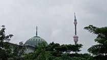 Penampakan Miringnya Kubah Masjid Islamic Centre Koja