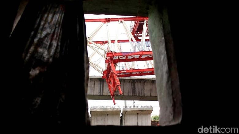 Crane Jatuh, Polisi Masih Gali Keterangan Pengawas Proyek DDT