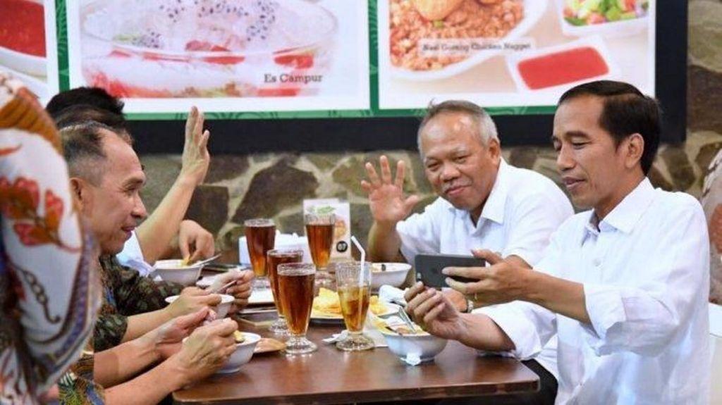 Cerita Sudut Istana, Jokowi Penasaran Pindang Baung dan Daun Singkong Tumbuk