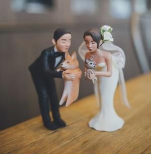 So Sweet! Ada Sosok Anjing Kesayangan di Cake Pernikahan Pasangan Ini