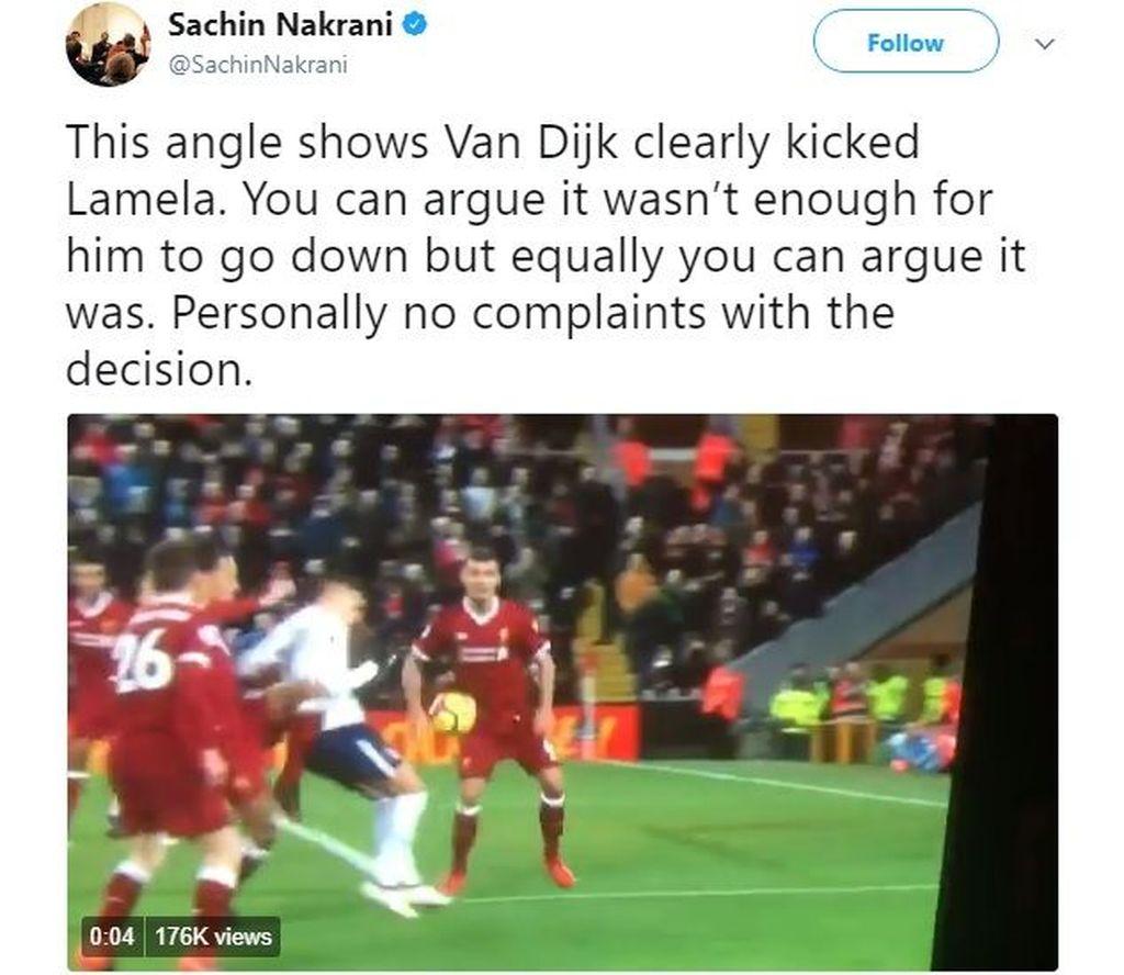 Nah ini kelakuan terbaru Van Dijk semalam, bikin Tottenham dapat penalti. Meski menimbulkan pro kontra, banyak yang meyakini penalti memang pantas dijatuhkan. Foto: istimewa