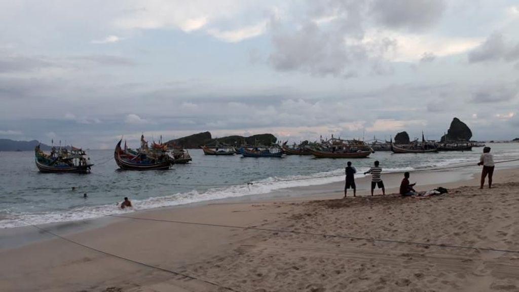 Cantiknya Pantai Papuma di Jember
