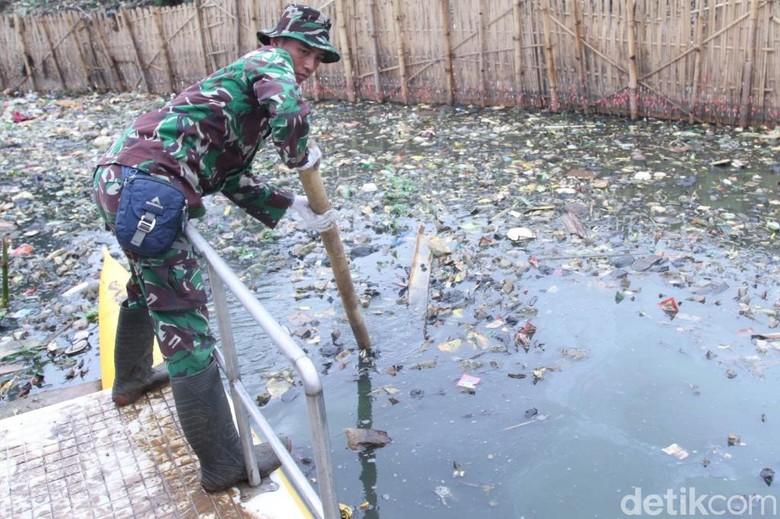 1.400 Prajurit Siliwangi Kawal Sungai Citarum