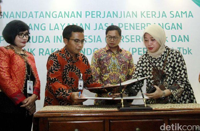 Penandatangan kerjasama ini dilakukan di Gedung Garuda Indonesia, Jl Kebon Sirih, Jakarta Pusat, Senin (5/2/2018) oleh kedua belah pihak.