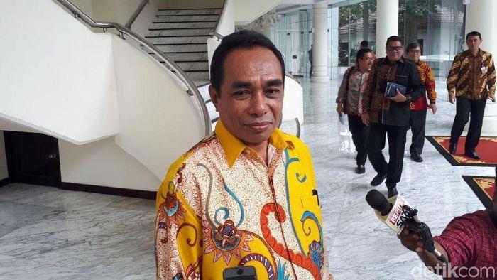 Foto: Rektor Universitas Pattimura Martinus Johanes Saptenno/Foto: Noval-detikcom