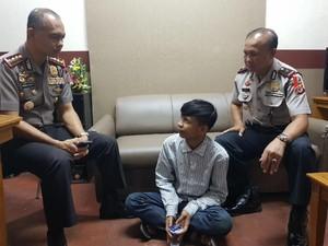Tidur Terganggu, Pemuda Bandung Todong Pisau ke Remaja Masjid