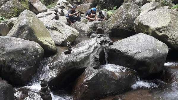Disukai Wisatawan, Inilah Sejarah Batu Bersusun di Sungai di Ngawi