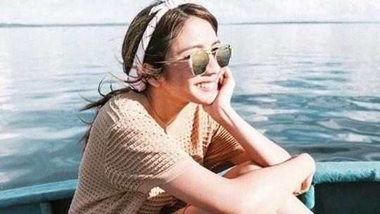 Awas Naksir! Senyuman si Cantik Acha Sinaga