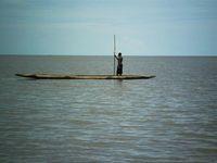 Asmat, Perahu dan Patung