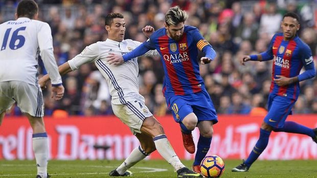 Jika bertemu dan menyingkirkan Barcelona di perempat final, Cristiano Ronaldo bisa mengalahkan Lionel Messi di Ballon d;Or.