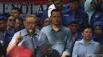 Gestur SBY Dibawa-bawa di Pose 1 Jari Luhut-Sri Mulyani