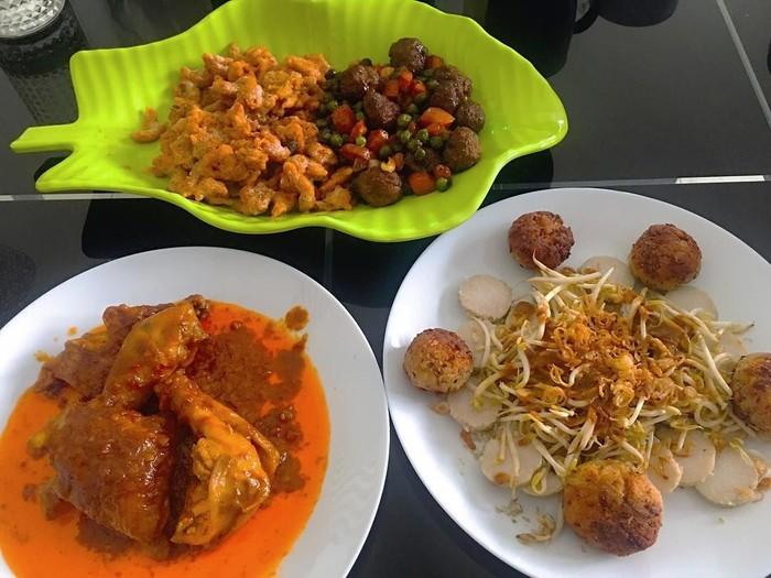 Kreasi hari ini di dapur, tulis akun Instagram @audyitem. Wah, Audy udah bisa masak gulai ayam! Instagram @audyitem