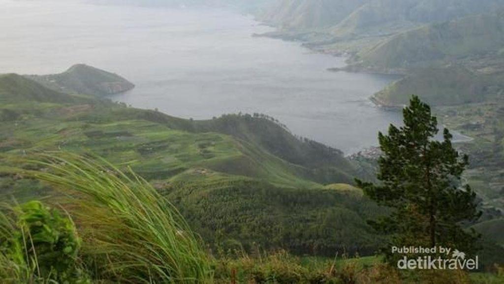 Danau Toba Dipotret Dari Titik Ini untuk Uang 1.000 Lawas