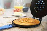 Bikin Waffle dan Pancake Sekaligus dengan Satu Alat Praktis