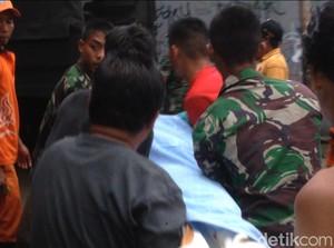 Kejang-kejang, 1 Warga Korban Banjir Kampung Arus Dilarikan ke RS