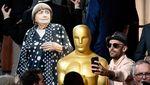 Lucu! Tak Bisa Hadir, Sutradara Ini Tetap Eksis di Oscar