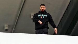 Drake Disebut Jadi Penulis Gelap di Album Kanye West