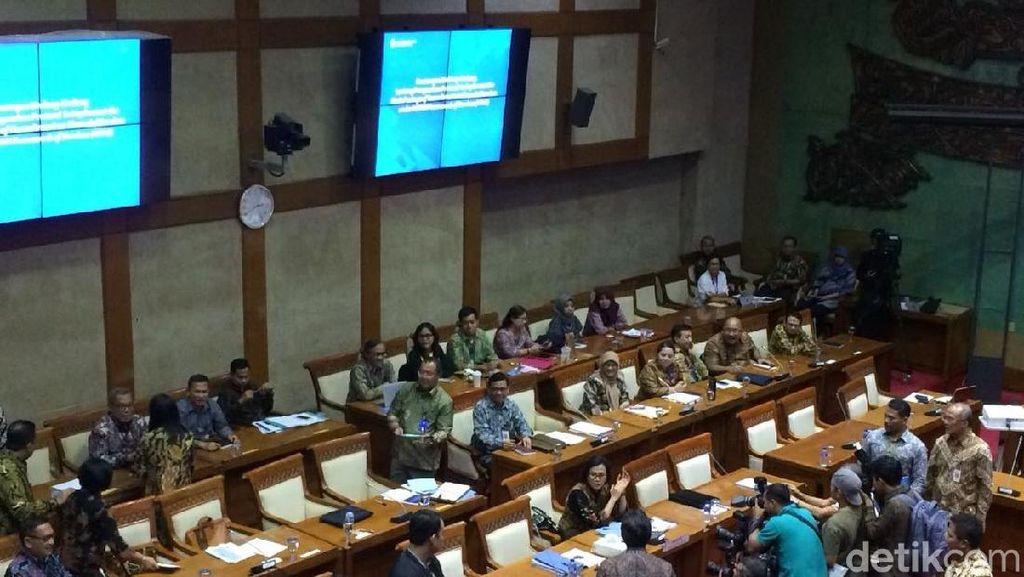 Pemerintah dan DPR Rapat Bahas Nasib Tenaga Honorer