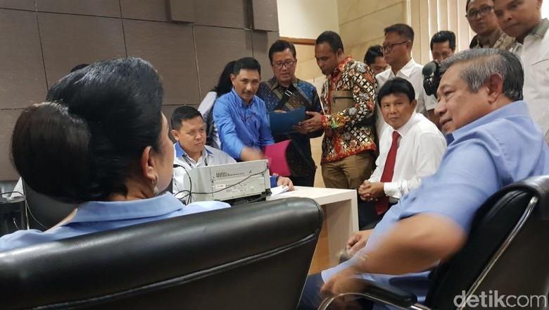 SBY Laporkan Firman Wijaya atas Pernyataan di Luar Persidangan