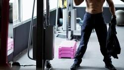 Lima pesulap ini tak hanya piawai sulap, mereka juga punya hobi olahraga yang alhasil buat kaum pria iri dengan kekekaran otot tubuh mereka.