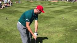 Tenang, mantan pentolan Westlife ini masih bernyanyi kok. Namun ia juga banyak meluangkan waktunya untuk bermain golf. Bahkan di akhir pekan dan hari libur.