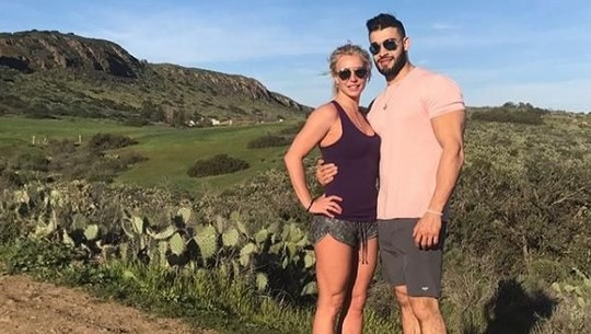 Mesranya Britney Spears dan Pacarnya yang Beda Usia 13 Tahun