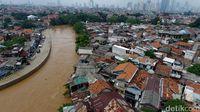 Penampakan banjir yang merendam kawasan Kebon Pala, Jatinegara, Jakarta Timur, Selasa (6/2/2018).