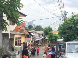 Korban Banjir di Rawajati Butuh Bantuan Selimut dan Tikar