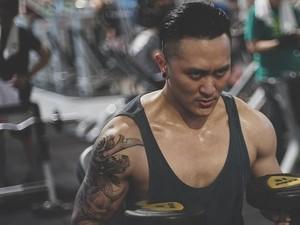 Macho Banget! 5 Pesulap Indonesia yang Beorotot karena Rajin Workout