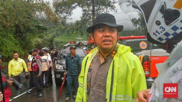 Kapolres Bogor AKBP Andi M Dicky di Jalur Puncak Gunung Riung, Bogor, Jawa Barat, beberapa waktu lalu.