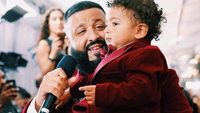 Menggemaskan! Saat Anak DJ Khaled yang Berusia 1 Tahun Berenang